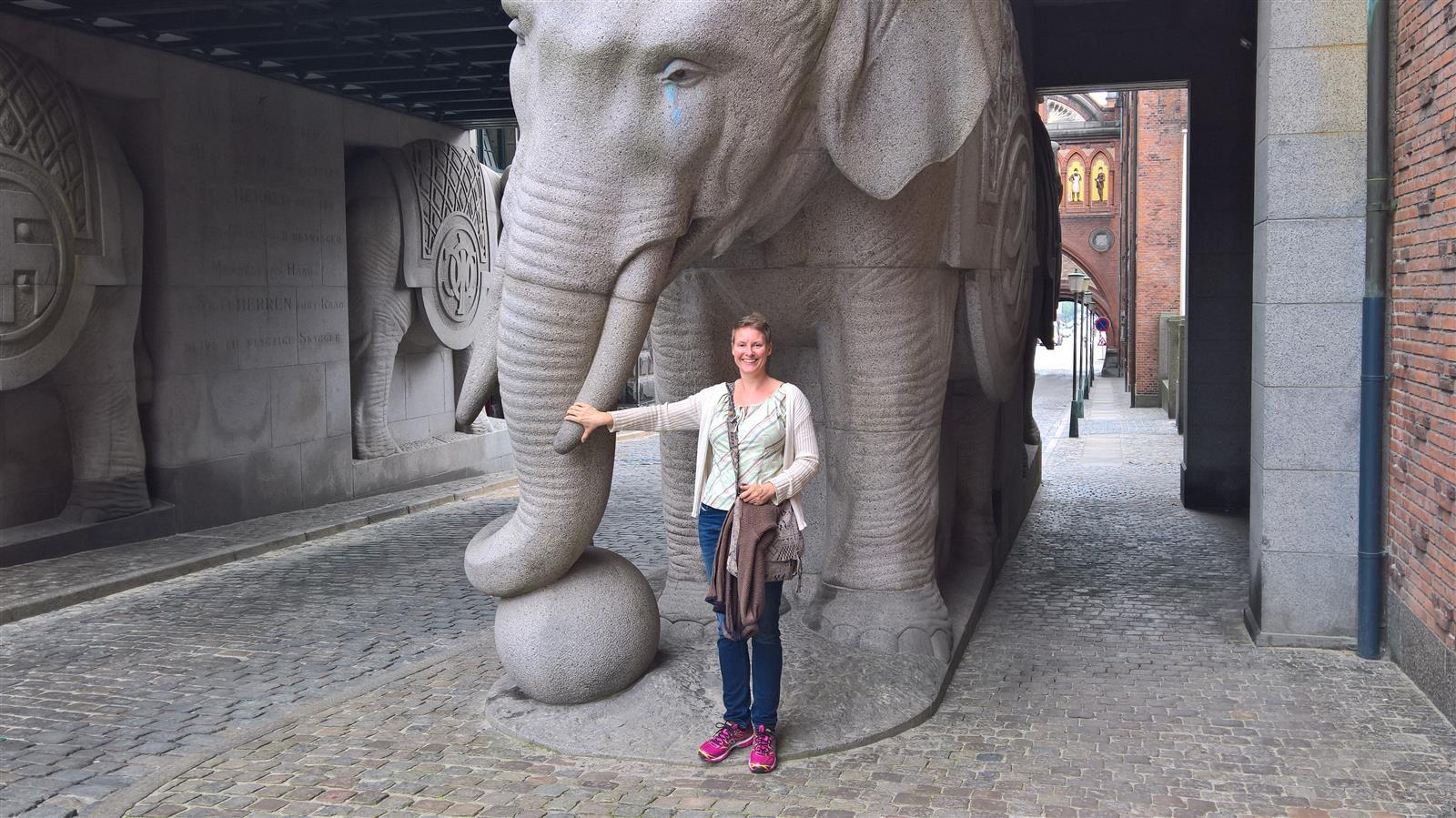 Terese og Carlsberg elefanten